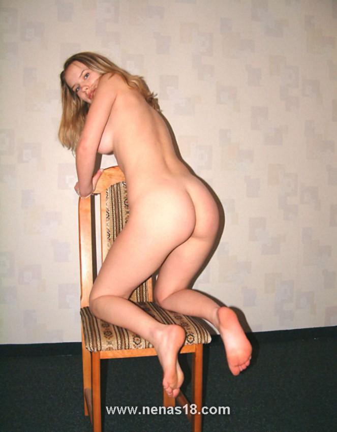 jovencita desnuda