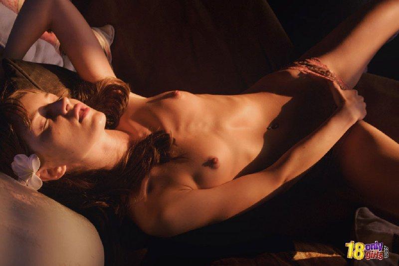 Miriam desnuda