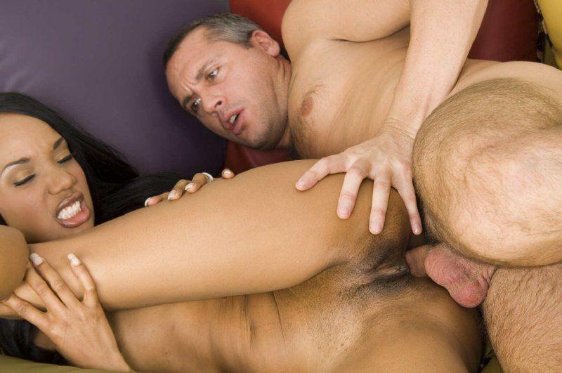 Sexo anal con negrita