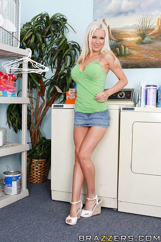 Follando sobre la lavadora