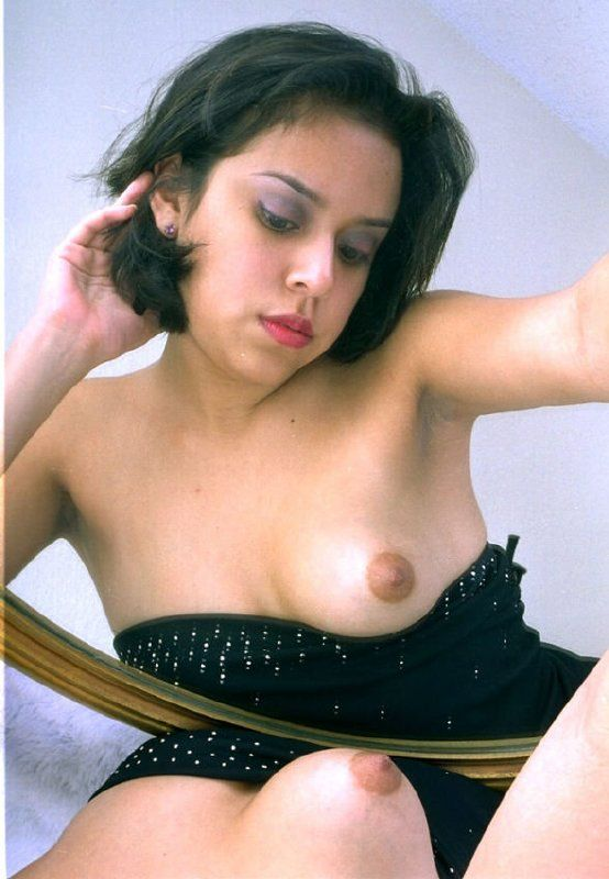 Jovencita mexicana desnuda