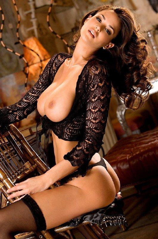 Tia tetona desnuda en el anticuario