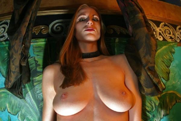 chica-mala-posando-desnuda_02
