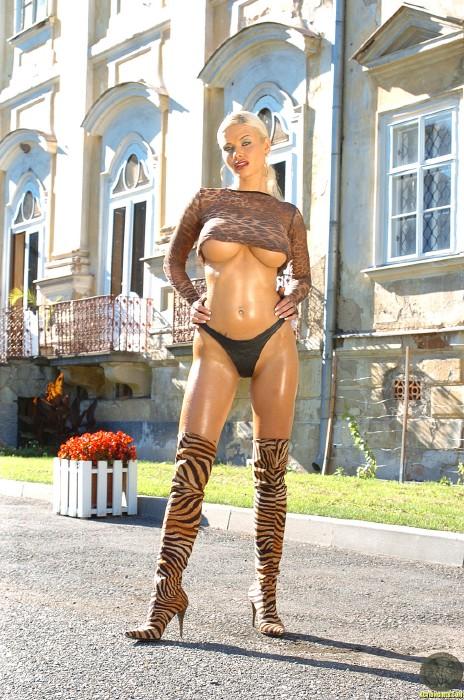 Kathy LEE ActionGIRLS Cheetah 13 Busty EURO Blonde 2006 BRTC