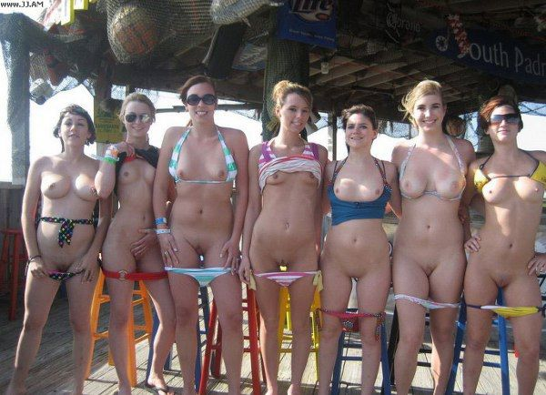 grupo-chicas-desnudas_10