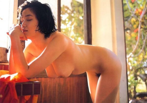 jovencita-asiatica-tetona_04