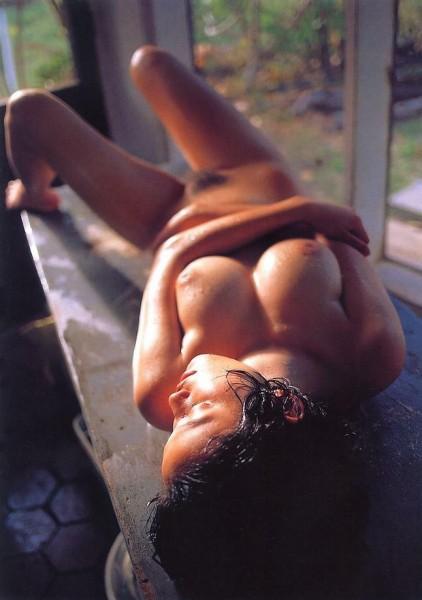 jovencita-asiatica-tetona_06