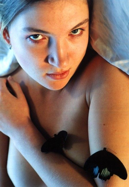 jovencita-rusa-mariposa_08