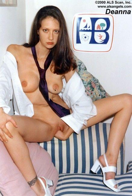 deanna-nenas18-com_19