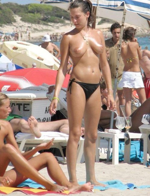 videos porno gratis de torbe pilladas desnudas en la playa