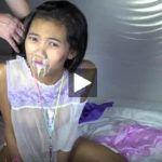 Una nena Asiatica que le gusta chupar pollas y que se corran en su boca